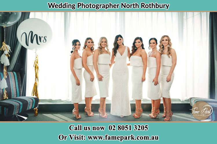 Photo of the Brides with her bridesmaids North Rothbury NSW 2335