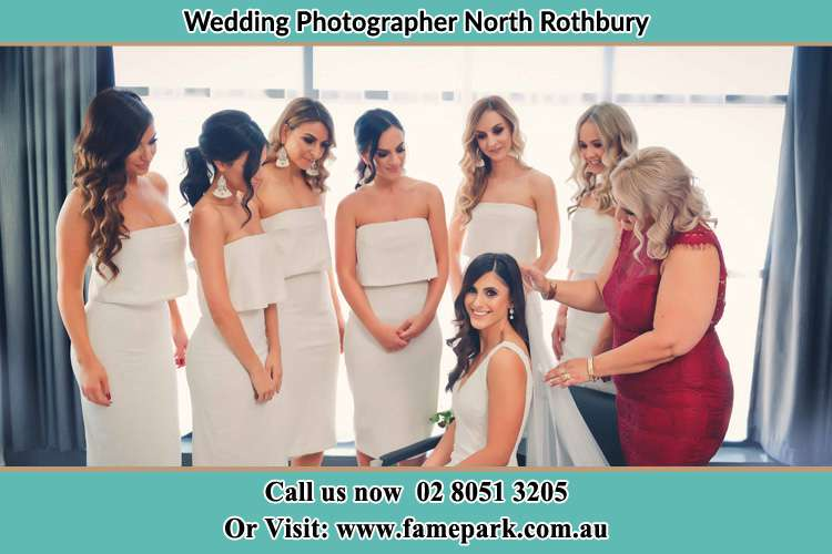 Photo of the Bride getting ready with her bridesmaids North Rothbury NSW 2335